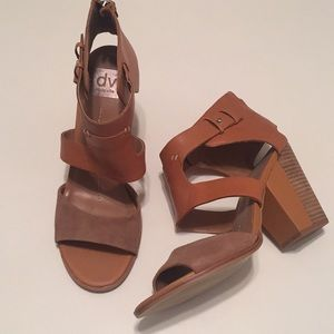 Dolce Vita wood block heel natural leather size 10